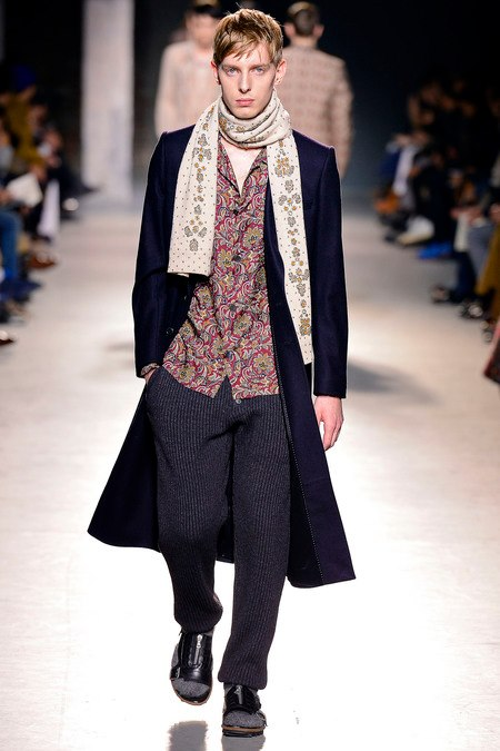 images/cast/10151171839957035=Fall 2013_14 man coll. COLOUR'S COMPANY fabrics x=d. van noten